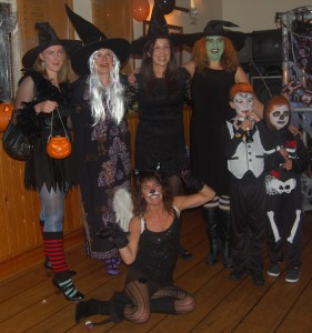 Four witches, a dead cat and Holly and Gareth